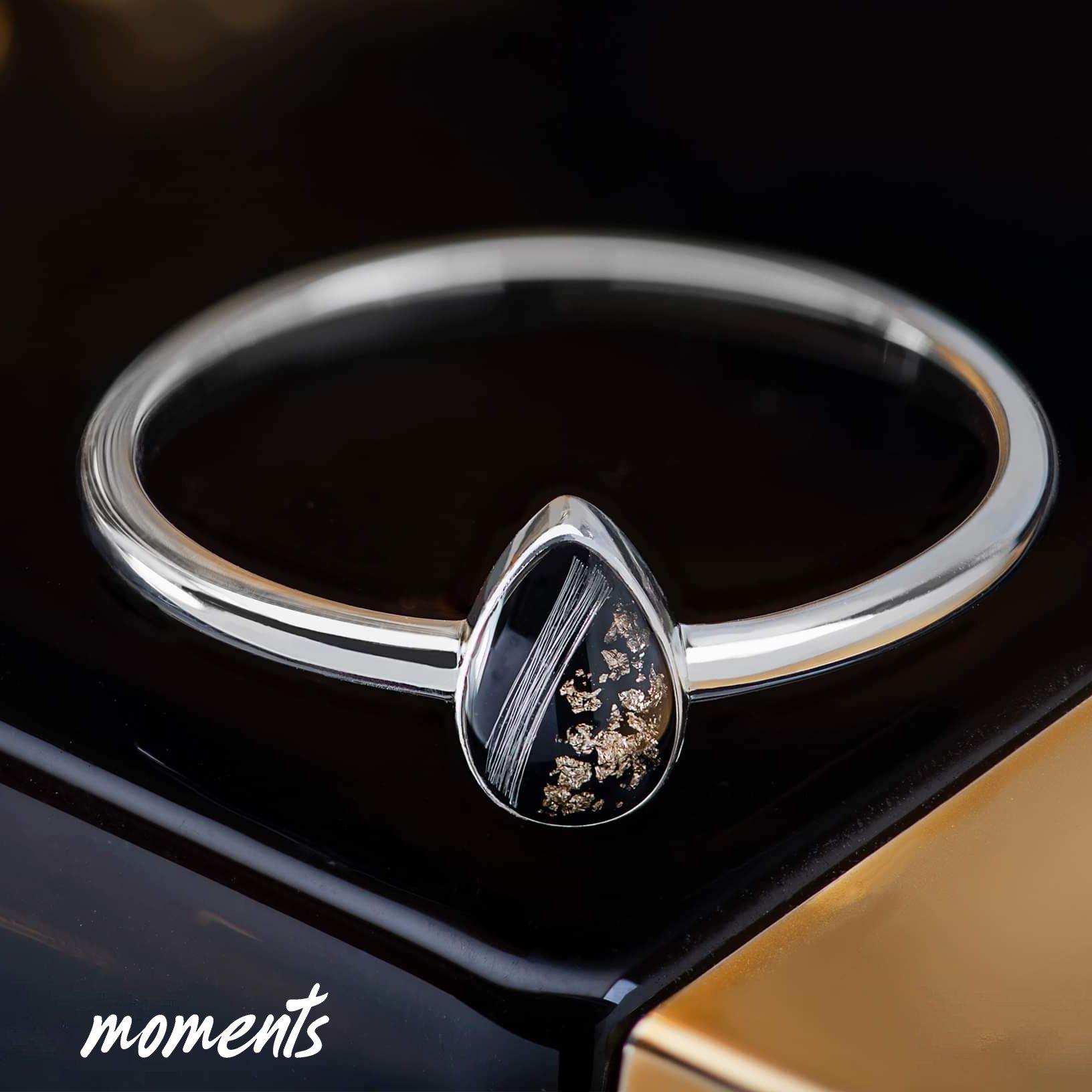 Trauerschmuck: Die Erinnerungen an Taranee, verewigt in einem Ring.